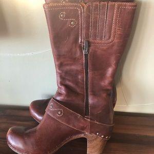 Dansko Rylan boots